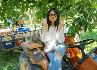 Travel Blogger Fanfan Wilson in Rayong, Travel in Eastern Thailand