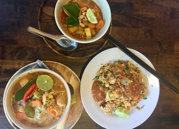 May Kaidee's cooking school, Best Thai Cooking Classes in Chiang Mai Thailand