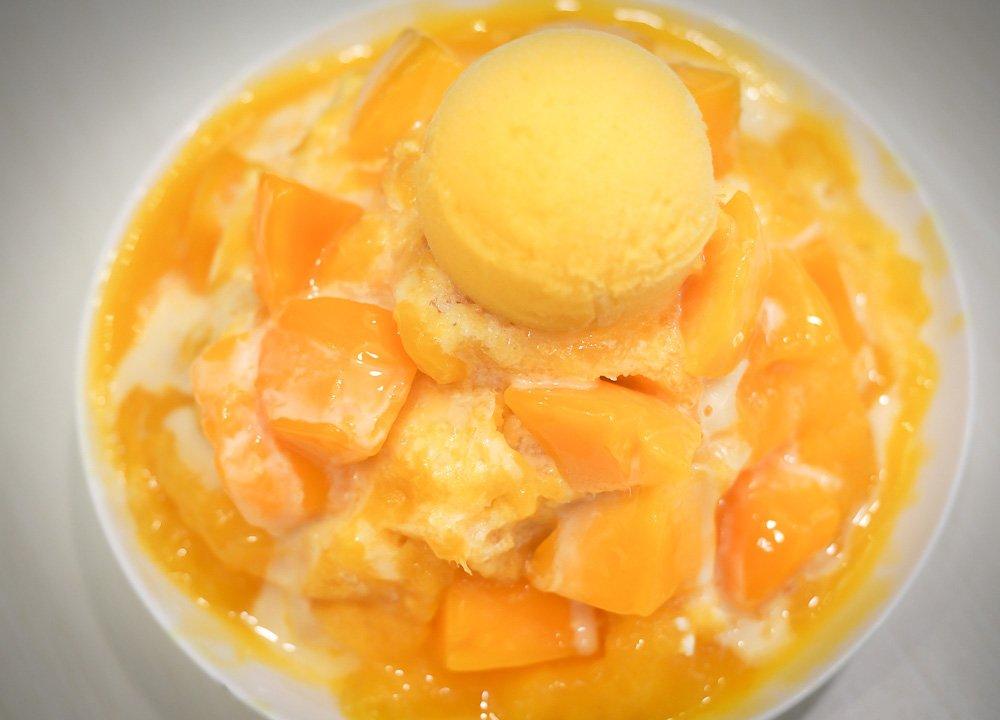 2-mango-shaved-ice-Regional-Street-Food-in-Taiwan