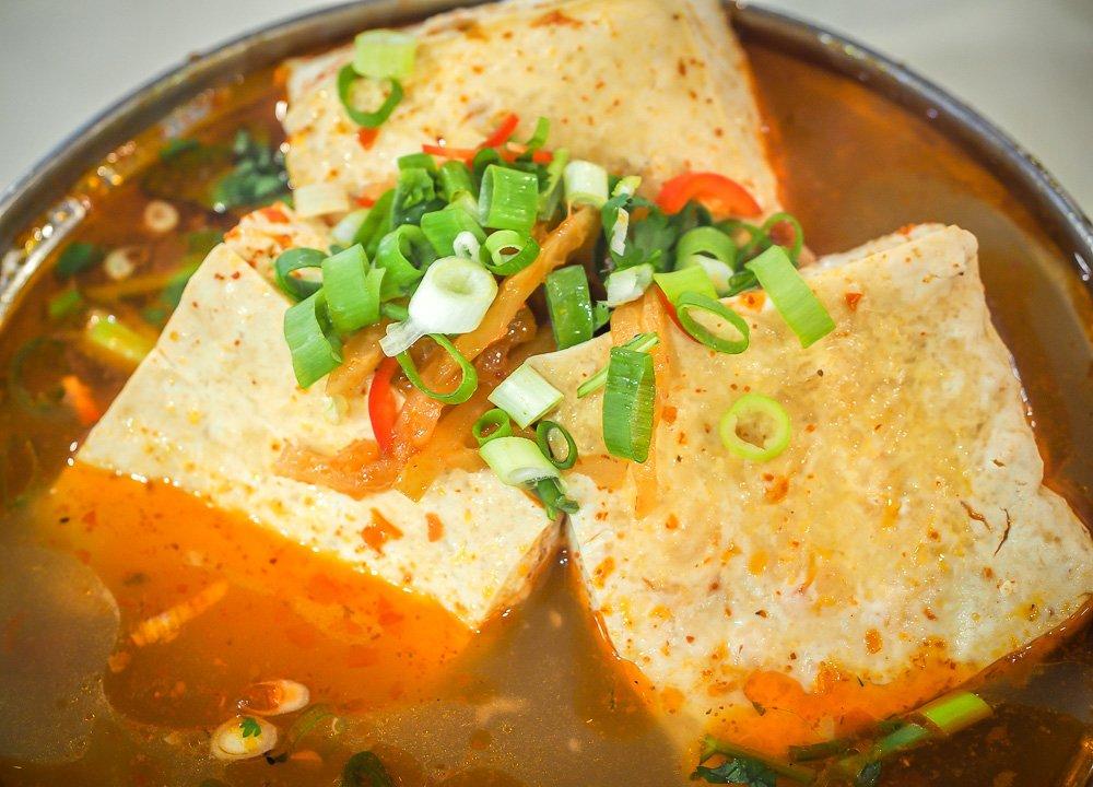 4-stinky-tofu-Regional-Street-Food-in-Taiwan