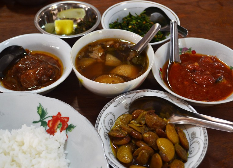 Traditional Myanmar Meal, Top 10 Burmese Food, Eating Myanmar, Burma