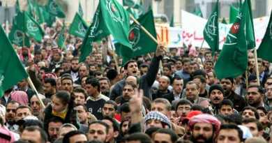 LLL - Live and Let Live - Muslim Brotherhood uses the WhatsApp application to spread its ideas