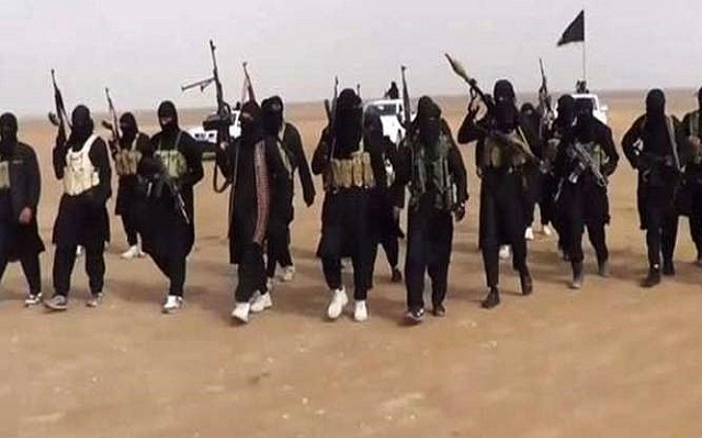 LLL - Live and Let Live - ISIS executes 58 plotters by drowning them, and bury them in a mass grave