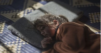LLL - Live and Let Live - ISIS chemical attack leaves children with burns from toxic gas