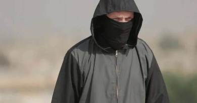 LLL-Live Let Live-ISIS terrorist group brutally executes two alleged informants in shocking video