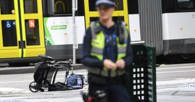 LLL-Live Let Live-Melbourne car rampage possible a new terrorist attack! - 4 people killed and 25 more injured in the car incident in Australia