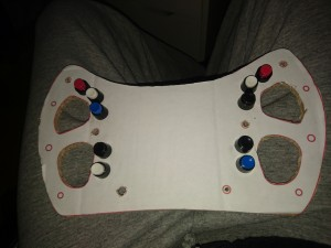 Positionnement des boutons sur la maquette en carton pour tester les positions
