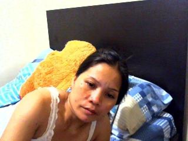 Sexyquinee Live Model Tits Shaved Pussy Small Tits Brown Eyes Babe