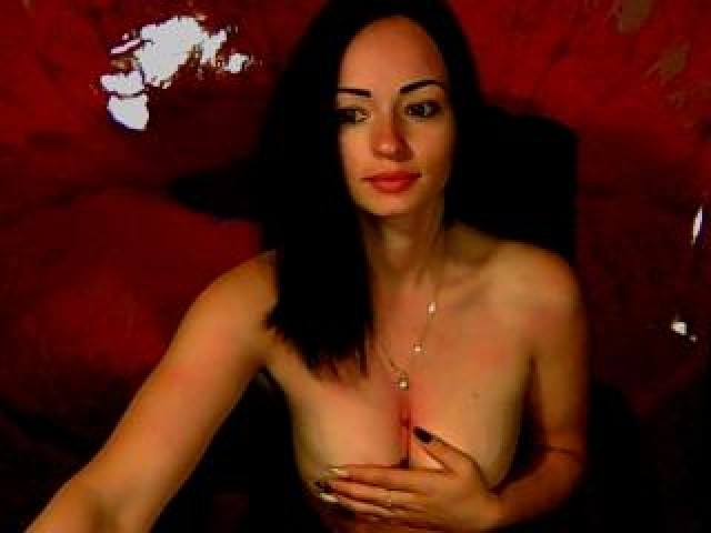 Babyanna Live Brunette Webcam Teen Female Trimmed Pussy Tits Medium