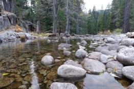 rae lake loop hike day 1 river