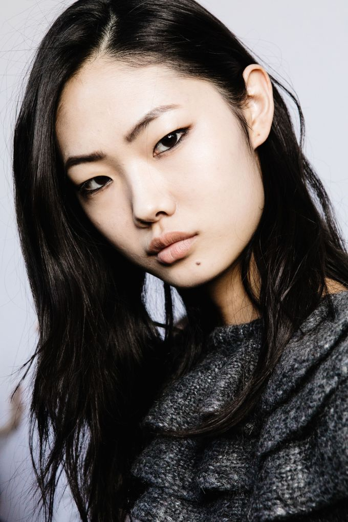 a photo gallery of hairstyles flattering on asian women