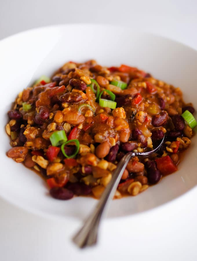 This Vegan Tempeh Chili is will warm your bones with delicious plant-based protein this winter (and in under 30 minutes!)