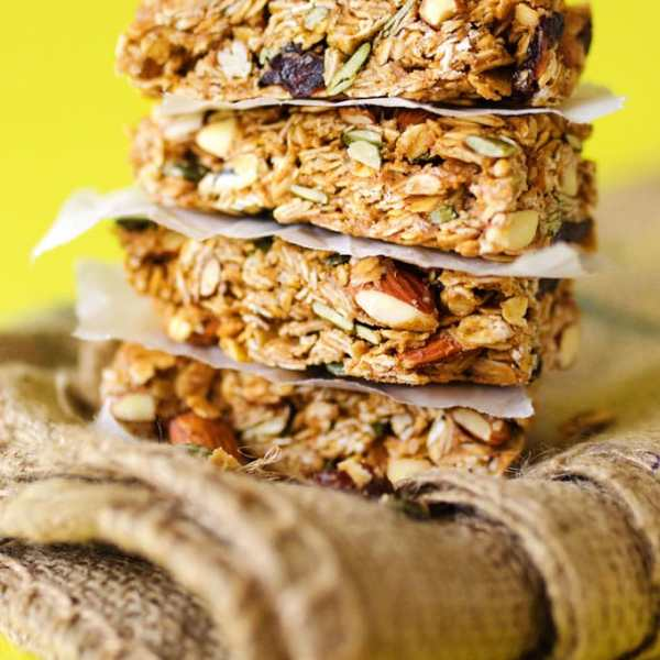 These Black pepper Cherry Granola Bars are a simple, healthy snack for bringing on the go to your summer adventures!