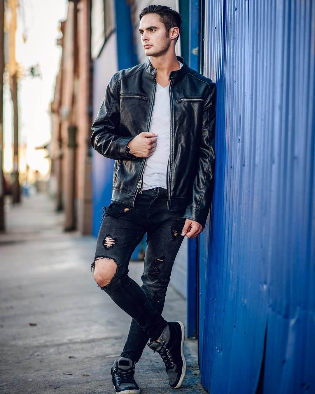 31 Best Male Model Poses For Photoshoot 2018   Live Enhanced on Model Ideas  id=38776
