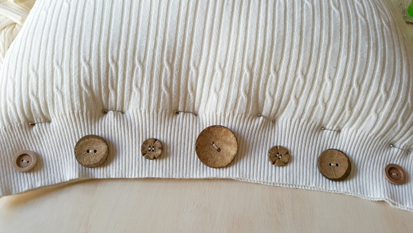 Thrift store sweater pillow cover tutorial