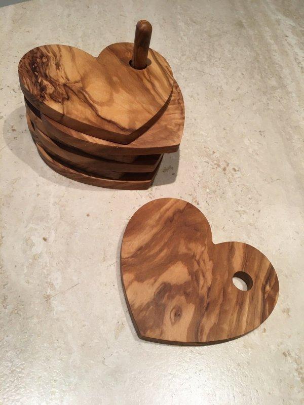 Hart onderzetter olijfhout