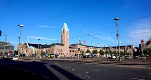 Helsinki Airport to City: Helsinki Central Railway Train Station in City Centre   Helsingin Päärautatieasema