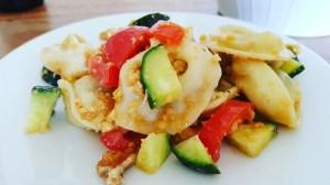 Kichererbsen-Pesto zum Nudelsalat