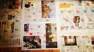 Upcycling-Geschenkpapier fertig bedruckte Zeitungsbögen