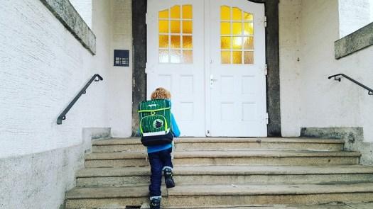 ergobag cubo -  fairer und nachhaltiger Schulranzen aus recycelten PET-Flaschen