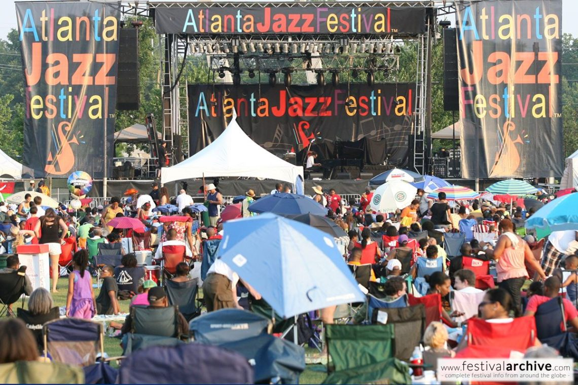 atlanta-jazz-festival-piedmont-park-mainstage-and-crowd