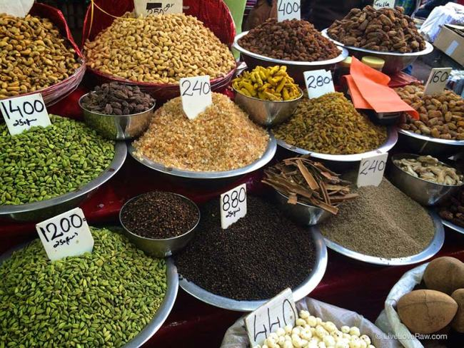 Spice market in Delhi, India