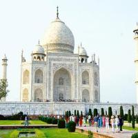 Supreme Court  lambasts Government  -  Do you want to destroy the Taj Mahal ?