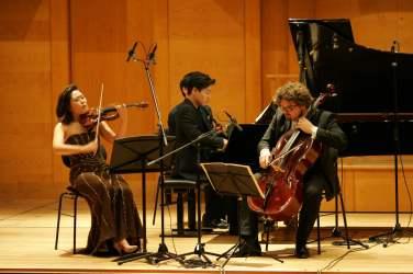 150 Trio Gaon Auftritt (2)