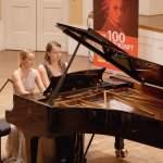LMN-Pianistinnen Anna Buchberger und Henriette Zahn sind Preisträgerinnen der internationalen Sommerakademie am Mozarteum in Salzburg