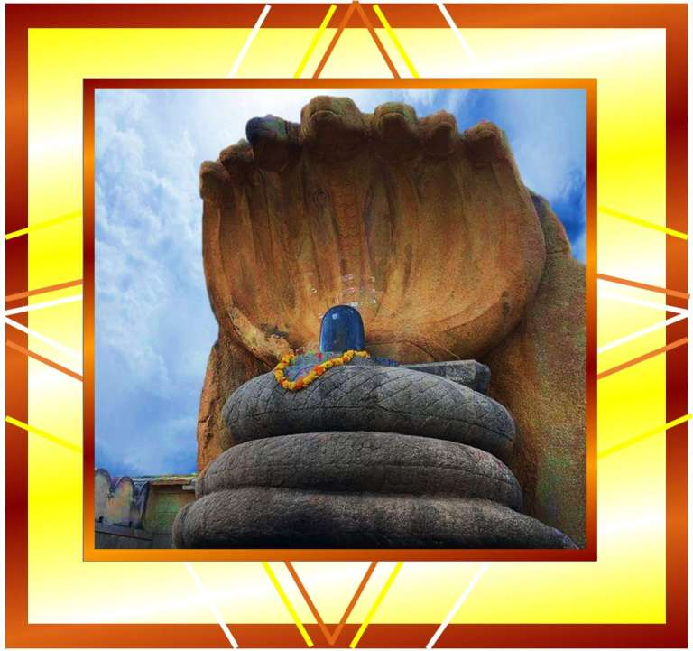 Picture of a huge shivling of lord Shiva