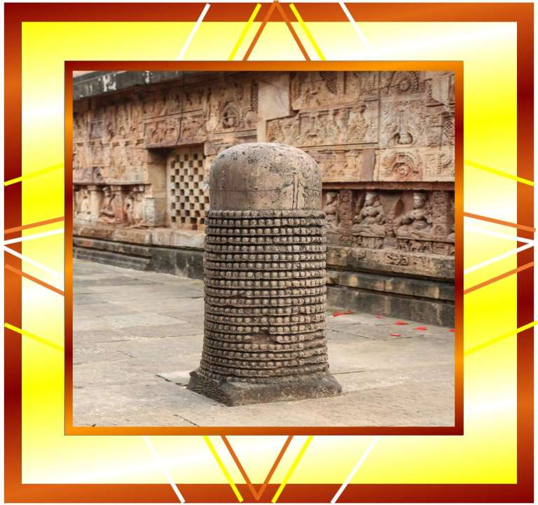 picture of a long shivling, vertical shivling, ancient shivling