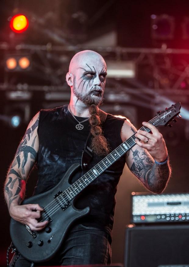 true-black-down-hellfest-16-06-2017-07