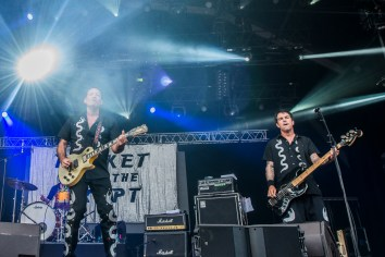 rocket-from-the-crypt-eurockeennes-08-07-2017-03
