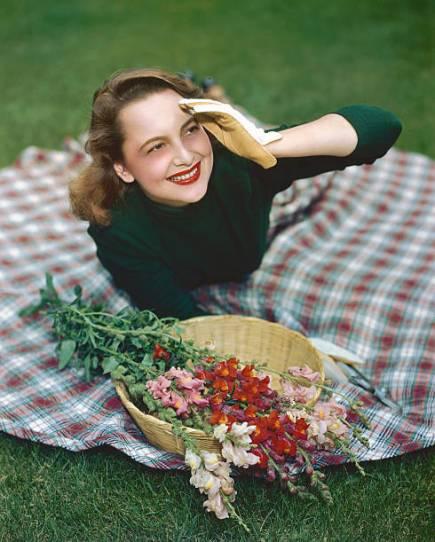 Oscar-Winner 'Gone With The Wind' actress Olivia de Havilland dies at 104 in Paris