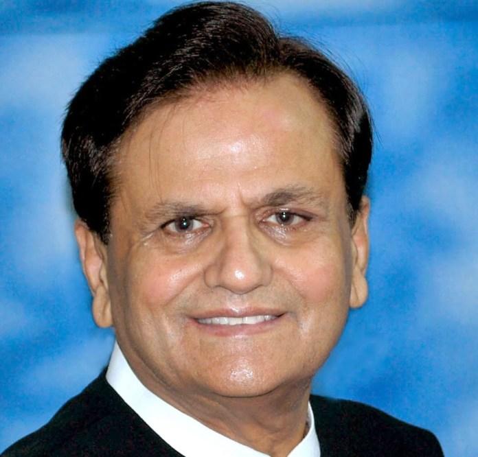 Senior Congress leader Ahmed Patel passes