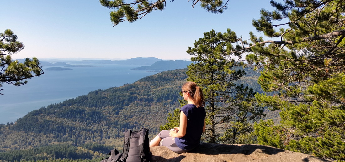 Hiking the Oyster Dome, one of Washington's most scenic hikes - LiveRecklessly.com