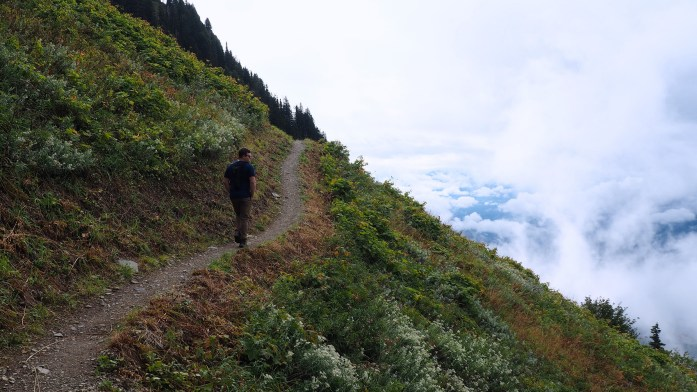 Hike Files: Sauk Mountain, Washington - LiveRecklessly.com