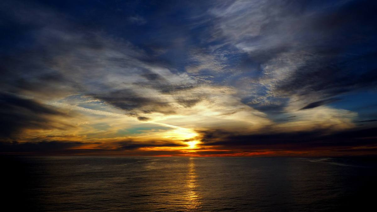 Alaska in Photos - sunsets from the ship - Live Recklessly