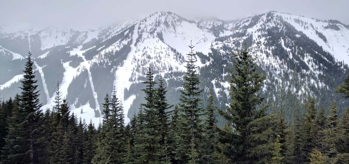 Feature Image - weekend at Crystal Mountain Resort Washington Live Recklessly