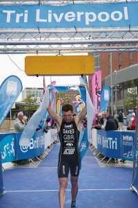 Tri Liverpool 2015 elite male winner Morgan Davies