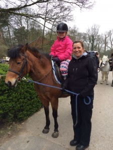 Florence Melly pupils'horse-riding lesson