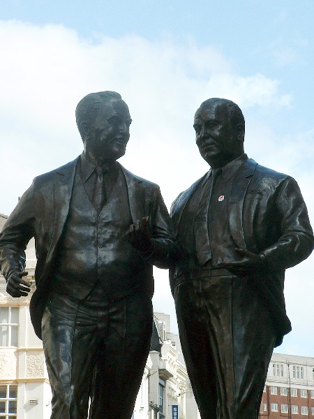 Sir John and Cecil Moores bronze statue