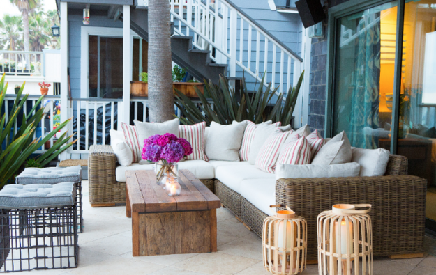 Beach house outdoor furniture/dream lounge spot.