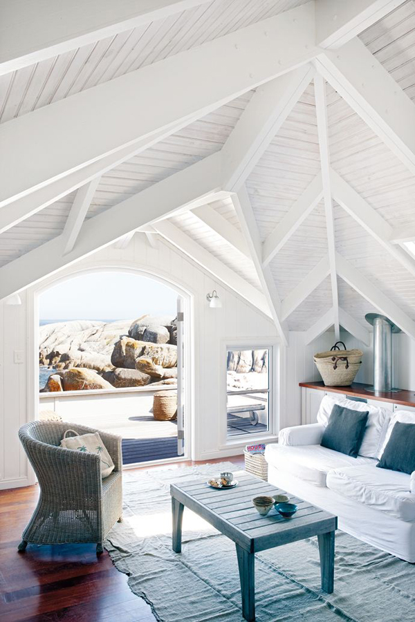 a Cape Town beach house that puts all other beach houses to shame.