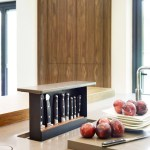The Ideal Kitchen: Cleverly Customized Knife Storage