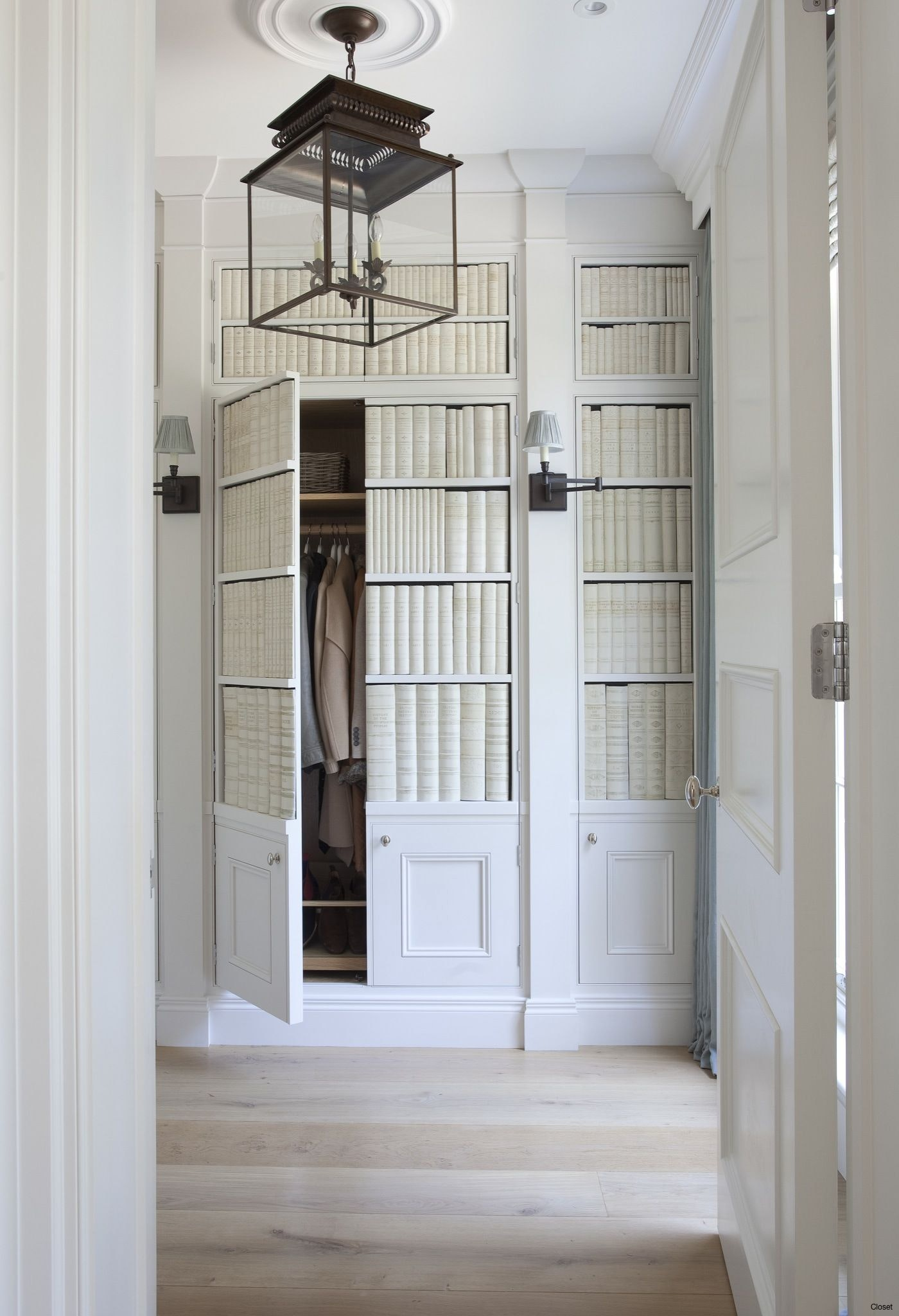 Hidden doors \u0026 secret rooms-the house feature that never goes out of style ( & The Ideal House Design: Hidden Doors \u0026 Secret Rooms | Live Simply ...