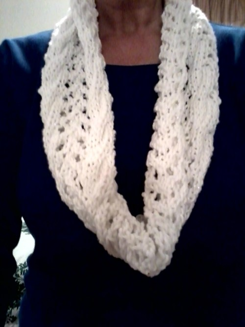 5 BEST Reasons to Knit a Scarf