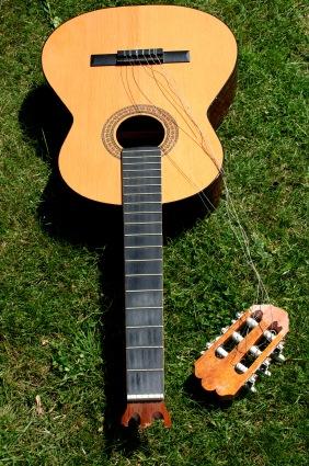 Guitar - Broken