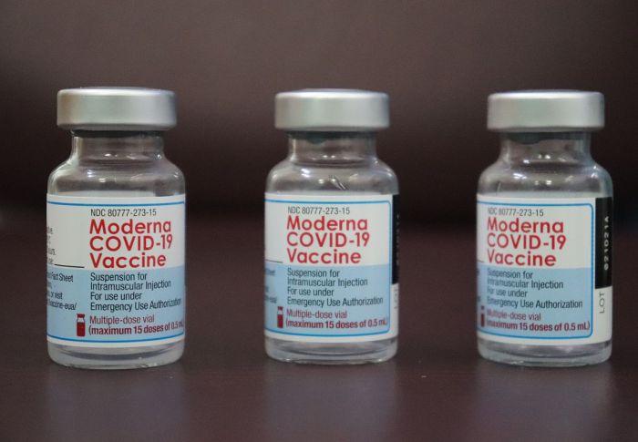 Έρευνα – Εμβόλιο Moderna: Παράγει διπλάσια αντισώματα από της Pfizer