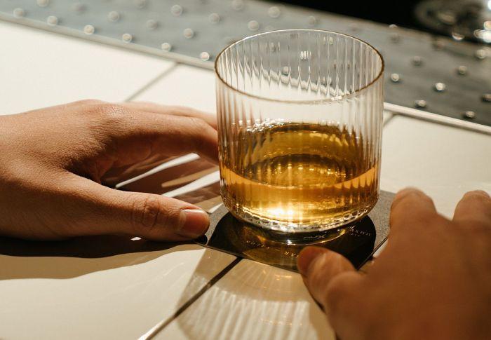 Τί συμβαίνει στο σώμα και το μυαλό όταν κόψεις το ποτό